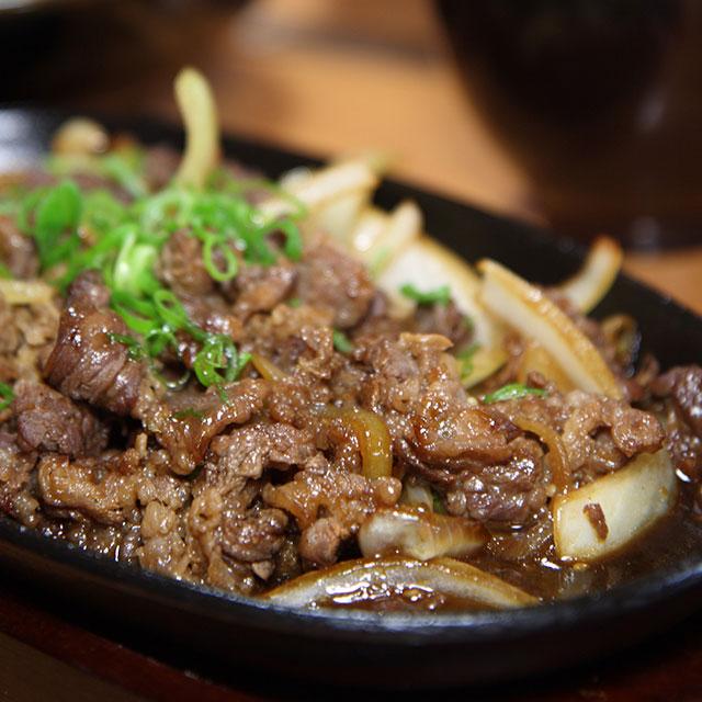 牛ばら定食(青森・三沢市のご当地グルメ)