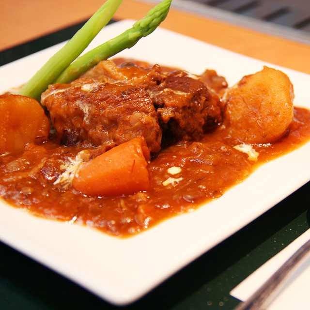 ビーフシチュー(200gの牛肉入り)